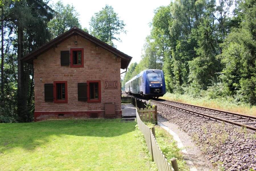 http://30morgen.bplaced.net/v100fan/images/Alsenzbahn_01er/image008.jpg
